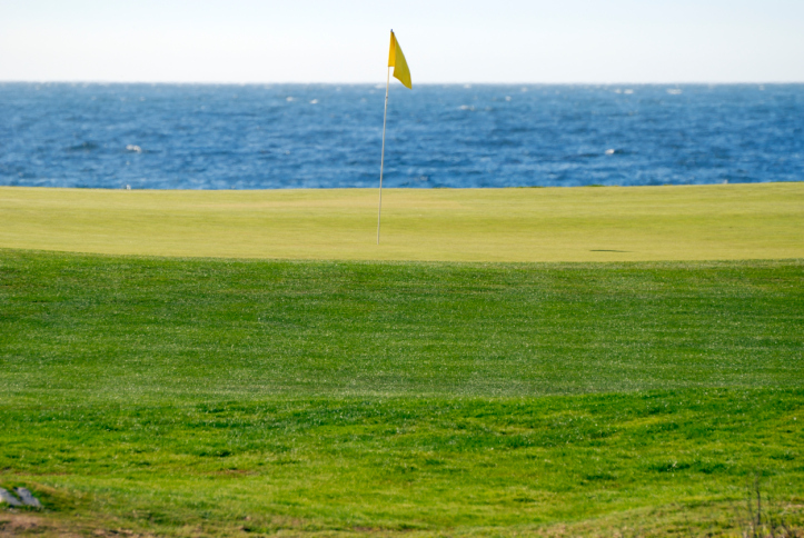 Golf by the sea